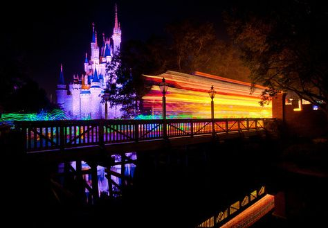 Best Main Street Electrical Parade Viewing Spots & Photography Tips - Disney Tourist Blog