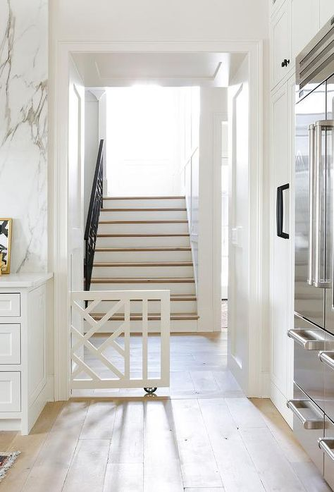 Looking for stylish dog door ideas? Check out over 25 stylish dog door installs & designs right here. The best dog door ideas around ; Indoor Dog Gates, Kids Gate, Baby Gates, Child Gates, Wood Baby Gate, Pet Gate, Dog Rooms, Pocket Doors, Home Renovation