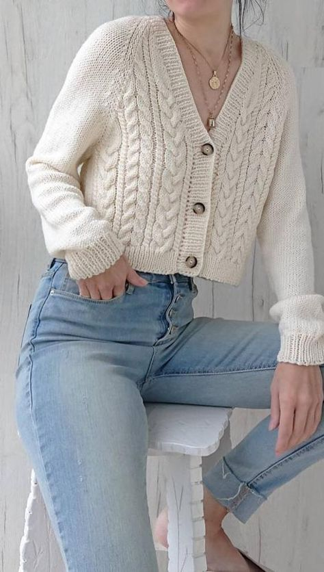 Chunky cable knit cropped cardigan for women Aran handmade short sweater with tortoiseshell buttons