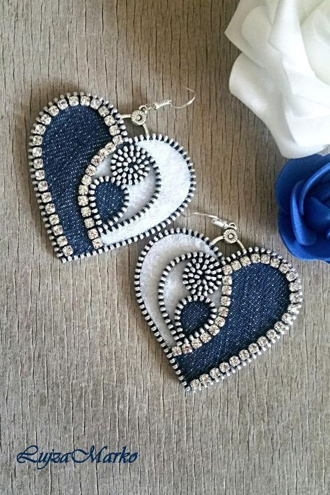Denim zipper heart earrings - Best Do It Yourself (DIY) Ideas 2019 Denim Bracelet, Denim Earrings, Heart Earrings, Beaded Earrings, Beaded Jewelry, Crochet Earrings, Handmade Jewelry, Diy Zipper Earrings, Diy Zipper Jewelry