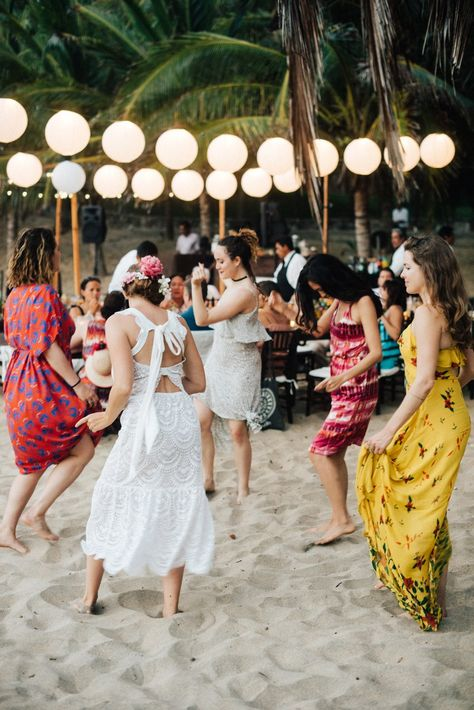 Here S What Every Bride And Groom Need To Know About Proper Wedding Guest Etiquette At Their