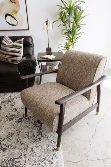 Casual Accent Chair In Brown Accent Chairs Oversized Chair Living Room Swivel Chair Living Room