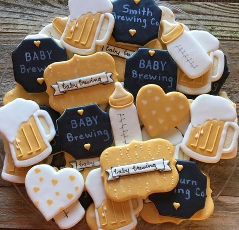 Baby Shower Cakes Neutral, Baby Shower Gender Reveal, Baby Boy Shower, Diaper Shower, Boy Baby Shower Themes, Baby Shower Diapers, Couples Baby Showers, Brew Bar, Diaper Parties