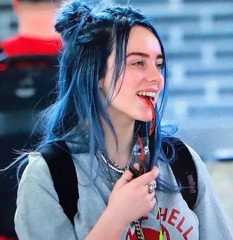 Billie Eilish 😍 nori from barbie fairytopia headass. Barbie Fairytopia, Outfits Casual, Style Outfits, Pretty People, Beautiful People, Videos Instagram, Billie Piper, Girl Crushes, My Girl