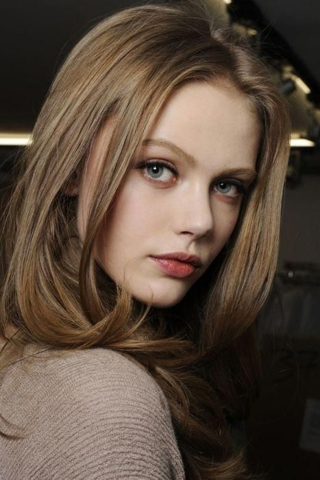 Light Brown Hair With Fair Skin I Want This Color For Fall Lipcolors Dark Blonde Hair Light Brown Hair Light Ash Brown Hair