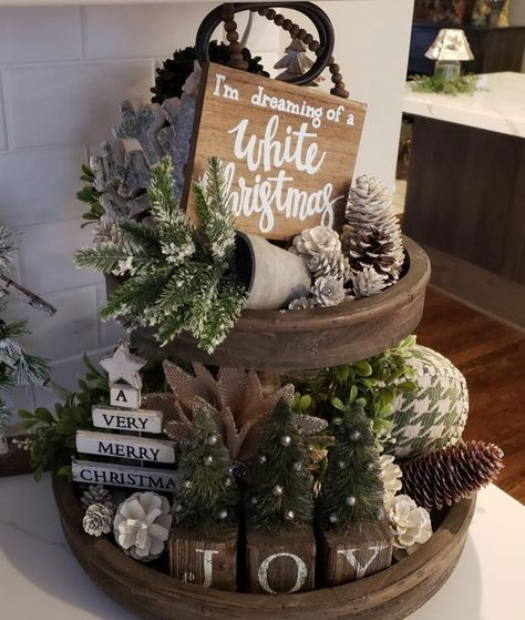 rustic christmas Easy DIY Indoor Christmas Decor and Display Ideas, Ways To Decorate Your Tiered Tray For Christmas, Kitchen Counters, or Fireplace Mantle Decorating, Christmas Decor Natural Christmas, Christmas Home, Outdoor Christmas, Christmas Mantels, Christmas Decor For Mantle, Christmas Decor In Kitchen, Winter Christmas, Christmas Window Display Home, Christmas Wreaths