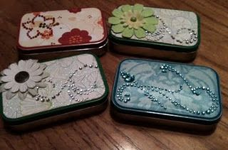 How fun is this..  recycle your mint tins.