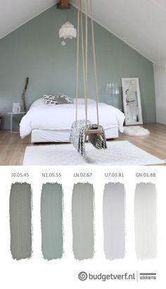 Schönes erholsames Schlafzimmer Die Kombination von Grün mit Holz Fantasien