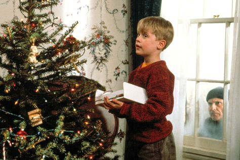 8 Classic Christmas Movies You Can Stream on Disney+ Right Now