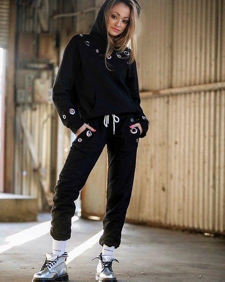 Get this look: http://lb.nu/look/8871733  More looks by Lauren Recchia: http://lb.nu/laurenrecchia  Items in this look:  Monrow Hoodie, Monrow Sweat Pants, Balenciaga Socks, Dr. Martens Combat Boots   #casual #grunge #street #ootd #outfit #weekend #weekendwear #details #hoodie