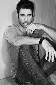 Dylan McDermott.  Someone please explain how this man can be over 50 years old?  Celebrity crush #4