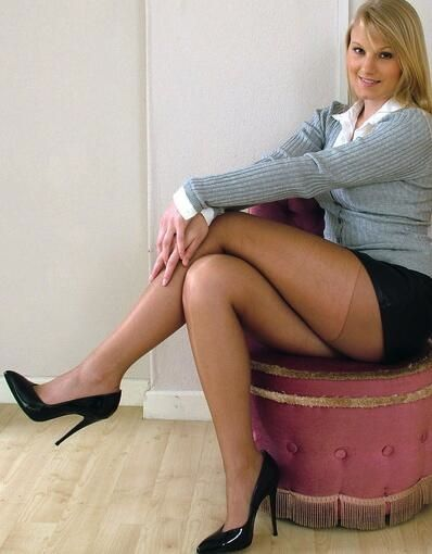Stockings Or Pantyhose In Open