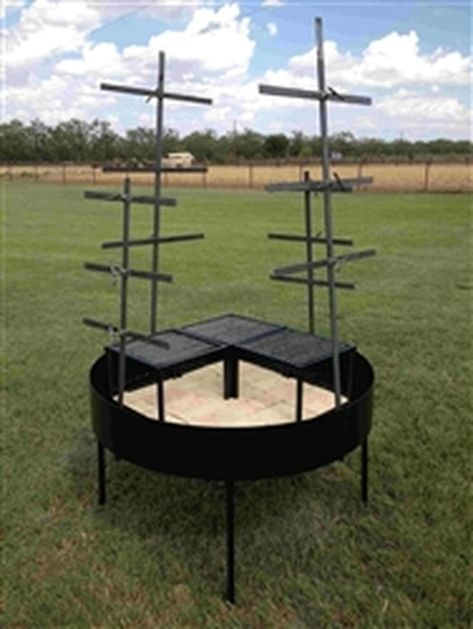 Portable Asado Cross Table with Crosses, Grills and Windblock