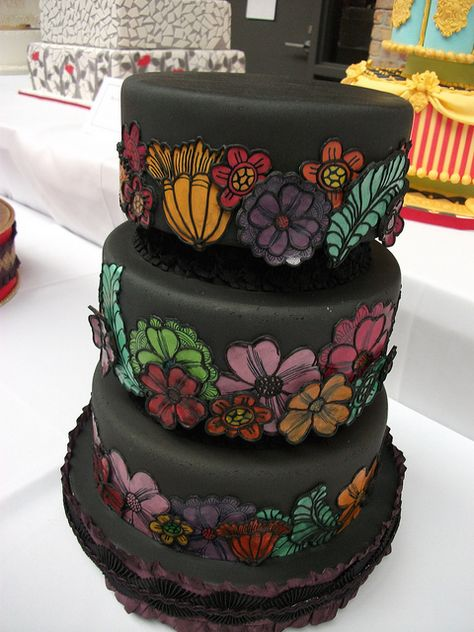 via Bonnie Gordon Cake Show 2011. Love this.
