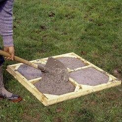 Tutoriel Comment Fabriquer Des Dalles Gravillonnees Pour Ses Allees Dalle Jardin Moules En Beton Terrasse Beton