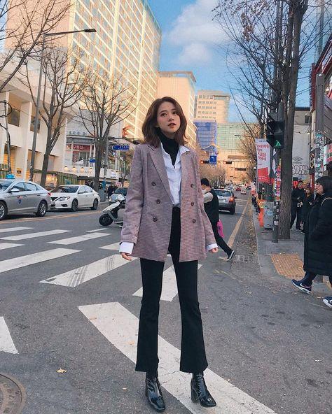 Muốn 'mặc đâu chuẩn đấy' trong tiết trời se lạnh, bạn chỉ việc copy 10 công thức street style xuất sắc từ loạt hot girl Việt