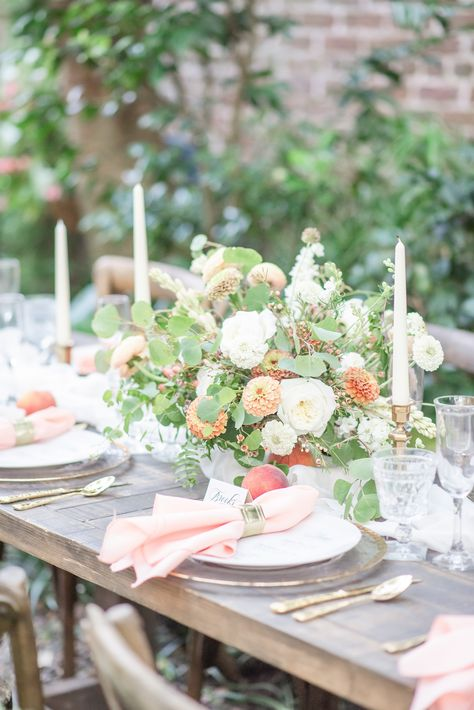 Southern vintage southern courtyard wedding ideas featuring a peach, green, and gold color palette. See more of this Lowcountry Wedding featured summer wedding in the Atwater Graphics blog. // Photo by Southern Vintage Photography // #atwatergraphics #classicweddingideas #summerweddingideas #summerweddingplanning #courtyardwedding #charlestonwedding #charlestonweddingvendors #charlestonweddingplanning #microweddinginvitations #springwedding #peachwedding #tablescape #tablesetting