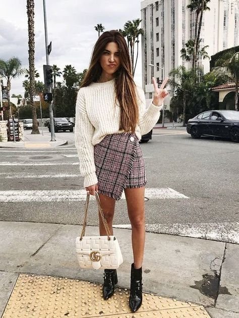 This is casual preppy look that has been given a little SVW style! | Looking for Back to School Outfit Inspiration?