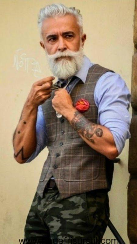 Brushed Back Stil Manner Mit Stil Lassige Herrenmode Frisuren Fur Altere Manner