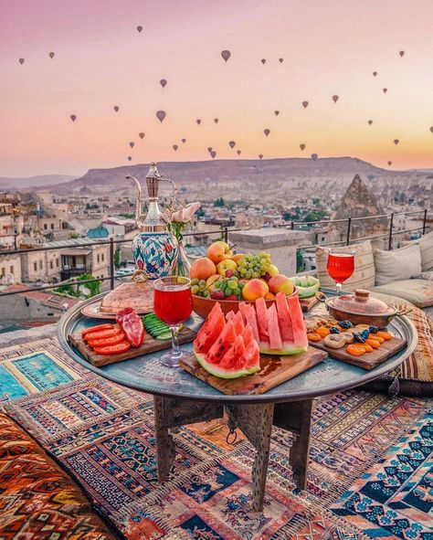 Heading to Cappadocia, Turkey? Here's your ultimate Cappadocia Travel Guide to help you plan your trip! Includes sample itinerary and budget! travel 2 Days in Cappadocia, Turkey: Ultimate Travel Guide [plus itinerary and expenses] Vacation Places, Dream Vacations, Vacation Rentals, Capadocia, Istanbul Travel, Cappadocia Turkey, Turkey Travel, Turkey Vacation, Beautiful Places To Travel
