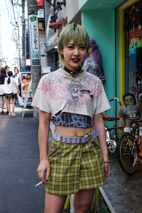 Mister Mort's Tokyo Street Style Report Tokyo Street Fashion, Tokyo Street Style, Japanese Street Fashion, Japan Fashion, Punk Fashion, Fashion Outfits, Fashion Tips, Curvy Fashion, Queer Fashion