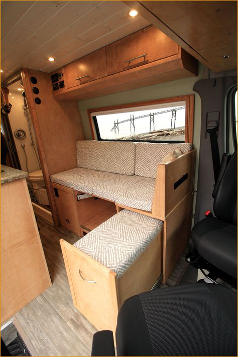 With The 2019 Tiffin Wayfarer Class C Motorhome You Don T Have To