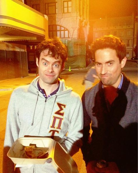 Bill Hader (Tom) and Ed Weeks (Jeremy) on the set of The Mindy Project. Warrior Names, Bill Hader, John Mulaney, The Mindy Project, Happy Pictures, Saturday Night Live, Best Tv, Cute Guys, Comedians