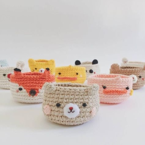 Cutie crochet purse for beginner workshop at big knit cafe, Crochet Home, Bead Crochet, Crochet Gifts, Cute Crochet, Things To Crochet, Crochet Coin Purse, Crochet Purses, Diy Round Coin Purse, Accessoires Barbie