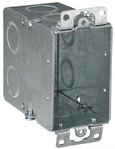 Thomas Betts Cy 1 2 3 Inch Length By 2 Inch Width By 3 1 2 Inch Depth Galvanized 1 Gang Old Work Welded Construction Gangable Switch Box 25 Pack Steel City Galvanized Metal Metal Electrical Box