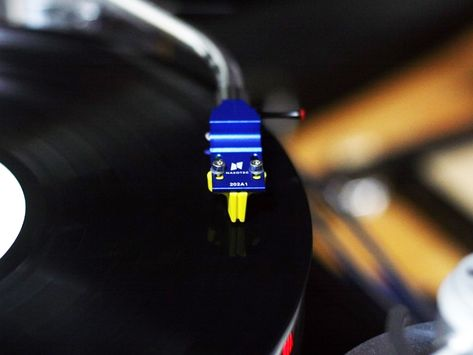 Nasotec Swing headshell with Rega cartridge
