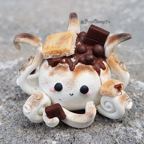 Smores mini figure octopus 2019 The post Smores mini figure octopus 2019 appeared first on Clay ideas. Cute Polymer Clay, Polymer Clay Animals, Cute Clay, Polymer Clay Charms, Diy Clay, Clay Turtle, Cute Baking, Cute Crafts, Diy Crafts