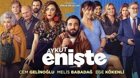 Aykut Eniste Iyi Niyetli Bir Adamin Trajikomik Ve Romantik Hikayesi Turk Romantik Komedi Filmleri Komedi Filmleri Sinema Film