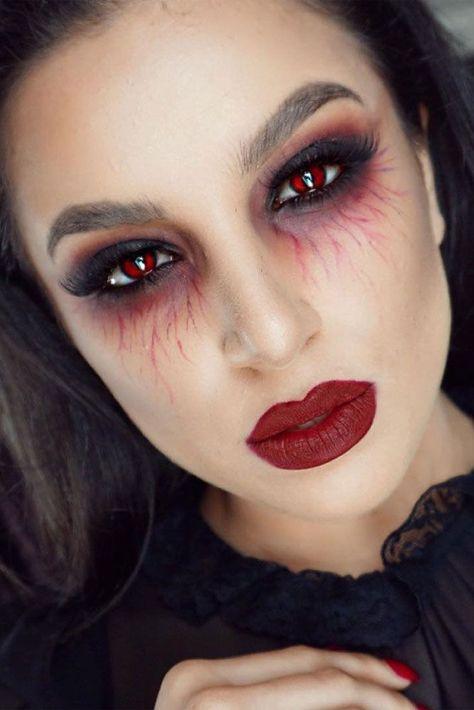 Le maquillage de vampire est-il votre truc? Avez-vous attendu toute l'année pour mettre ... #attendu #Avezvous #estil #l39année #MAQUILLAGE #mettre #pour