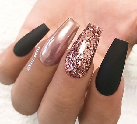 33 Ideen Fur Rosa Nagel Nagel Design In 2020 Gold Nail Designs Rose Gold Nails Design Rose Gold Nails