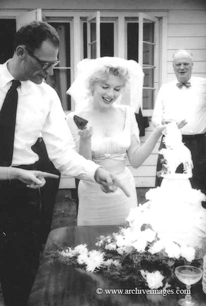 Marilyn Monroe And Arthur Miller On Their Wedding Day July 1 1956 Pinterest Norma Jean