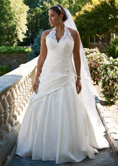 a182700c8e Vestidos de novia plus size.  50- 200 off Plus Size Wedding Gowns from David s  Bridal