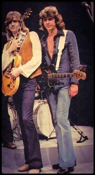John Lodge And Justin Hayward Justin Hayward Moody Blues British Musicians