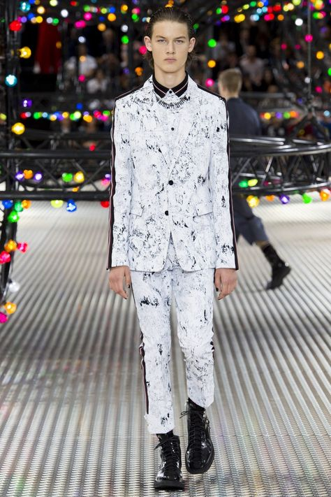 See all the Collection photos from Dior Homme Spring/Summer 2017 Menswear now on British Vogue