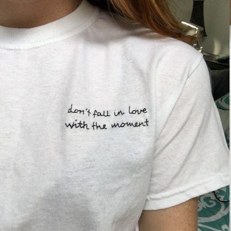 Ideas para bordar una playera de algodón estilo chica Tumblr in 2019 ... 5e9fc13bc4ca9