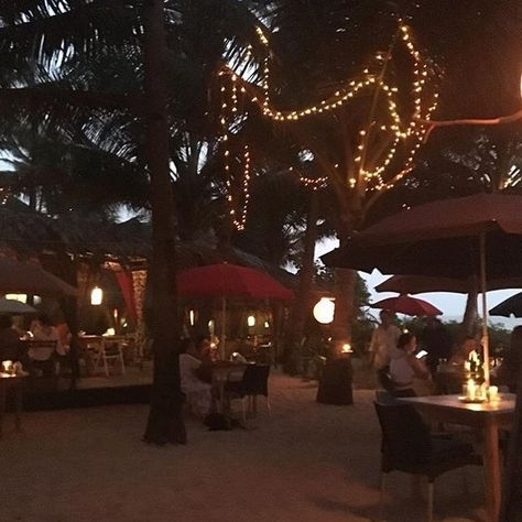 La Plage 10 Minutes Beachwalk And You Re There Let The Season Begin Letyourselfrest Magic Frenchcuisine Beach Ashv Table Decorations Beach Resorts Decor
