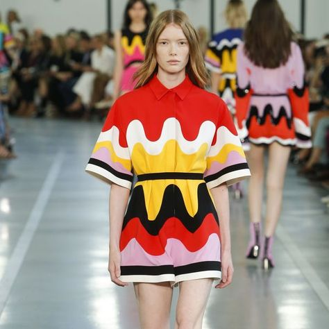 Emilio Pucci Spring 2017 ready-to-wear collection Milan Fashion Week