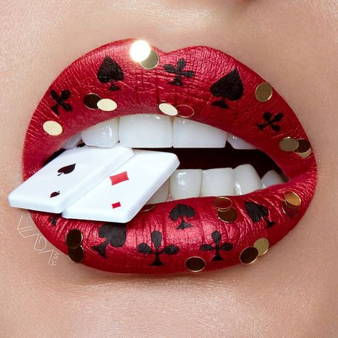 Aprecie a incrível arte labial da maquiadora e fotógrafa Vlada Haggerty Enjoy the incredible lip art of makeup artist and photographer Vlada Haggerty Astounding Learn To DSuperman superhero symbolMakeup artist wows Instag Lipstick Designs, Lip Designs, Makeup Designs, Eyeshadow Designs, Makeup Art, Lip Makeup, Fairy Makeup, Mermaid Makeup, Beauty Makeup