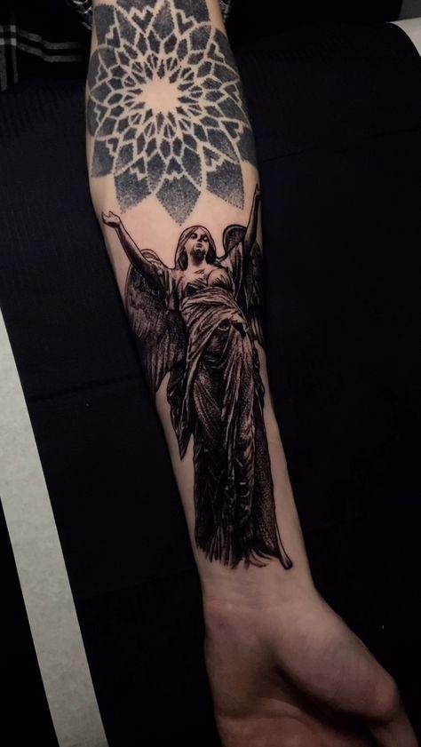 Ангел тату angel статуя