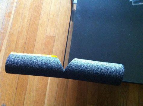 Девочки, кто-то из вас приобретал накладные силиконовые уголки на мебель, чтобы обезопасить от них малыша?