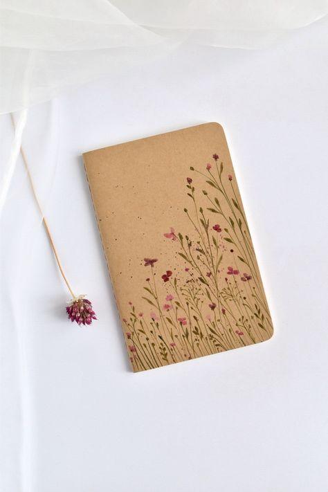 Diy Notebook Cover, Notebook Art, Moleskine, Handmade Books, Handmade Notebook, Handmade Art, Cute Notebooks, Journals, Sketchbook Cover