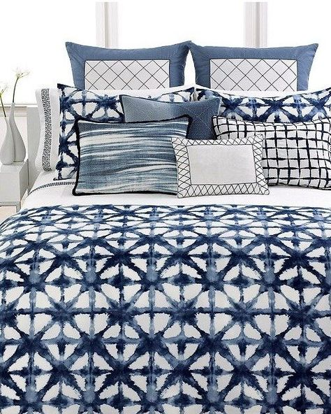 Indigo works so well paired with white in simple patterns and motifs. It allows for a bold yet comfortable look, perfect for bedrooms or living areas.