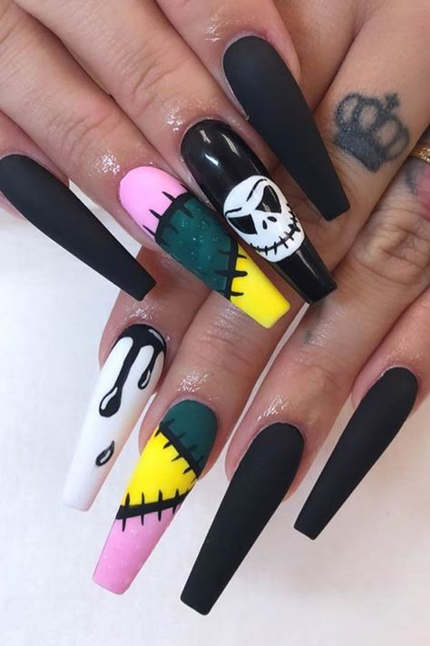 Halloween Acrylic Nails, Halloween Nail Designs, Cute Acrylic Nails, Cute Nails, Trendy Halloween, Halloween Couples, Halloween Horror, Edgy Nails, Halloween College