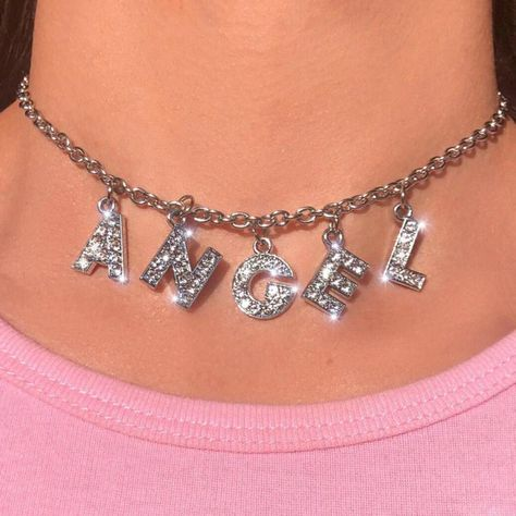 Big Letter Bling Choker Halskette mit kostenlosem Geschenkkarton Kundenspezifische Briefe Big Letter Bling Choker Necklace with free gift box Custom letters available P. Boujee Aesthetic, Bad Girl Aesthetic, Aesthetic Collage, Aesthetic Vintage, Aesthetic Clothes, Angel Aesthetic, Aesthetic Fashion, Baby Pink Aesthetic, Aesthetic Outfit