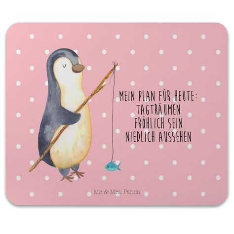 Mauspad Druck Pinguin Angeler aus Naturkautschuk  black - Das Original von Mr. & Mrs. Panda.  Ein wunderschönes Mouse Pad der Marke Mr. & Mrs. Panda. Alle Motive werden liebevoll gestaltet und in unserer Manufaktur in Norddeutschland per Hand auf die Mouse Pads aufgebracht.    Über unser Motiv Pinguin Angeler      Verwendete Materialien  Hergestellt mit einer sehr hochwertigem und langlebigen Gummierung    Über Mr. & Mrs. Panda  Mr. & Mrs. Panda - das sind wir - ein junges Pärchen aus dem Norden