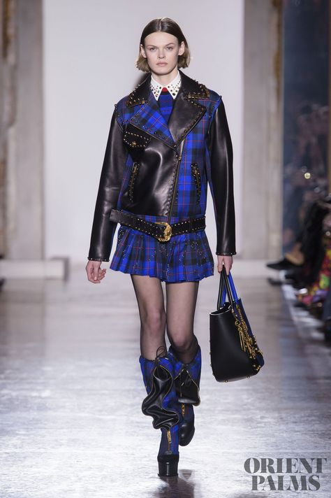 Versace Fall 2018 Ready-to-Wear Fashion Show Collection